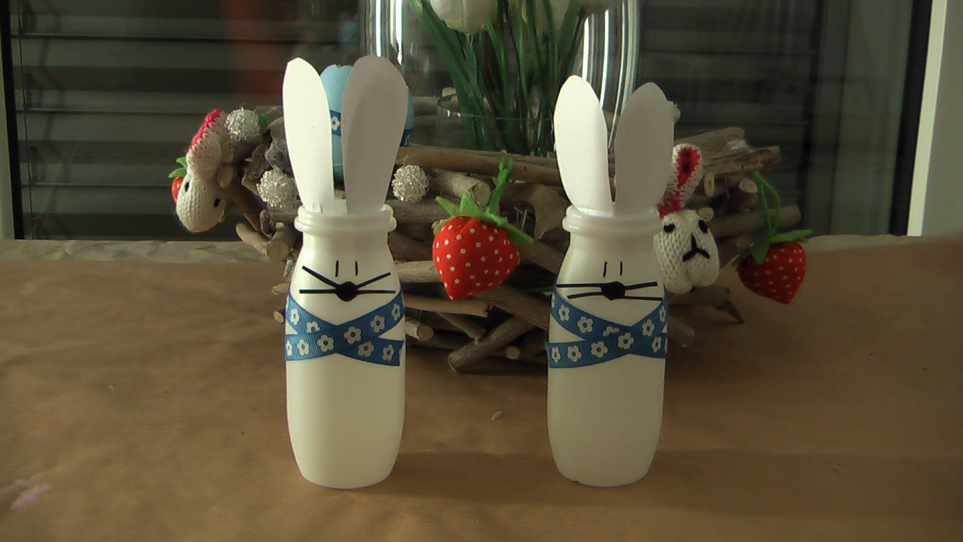 osterhase hase aus actimel verpackung basteln ostern diy atelier kunstkreis youtube diys. Black Bedroom Furniture Sets. Home Design Ideas