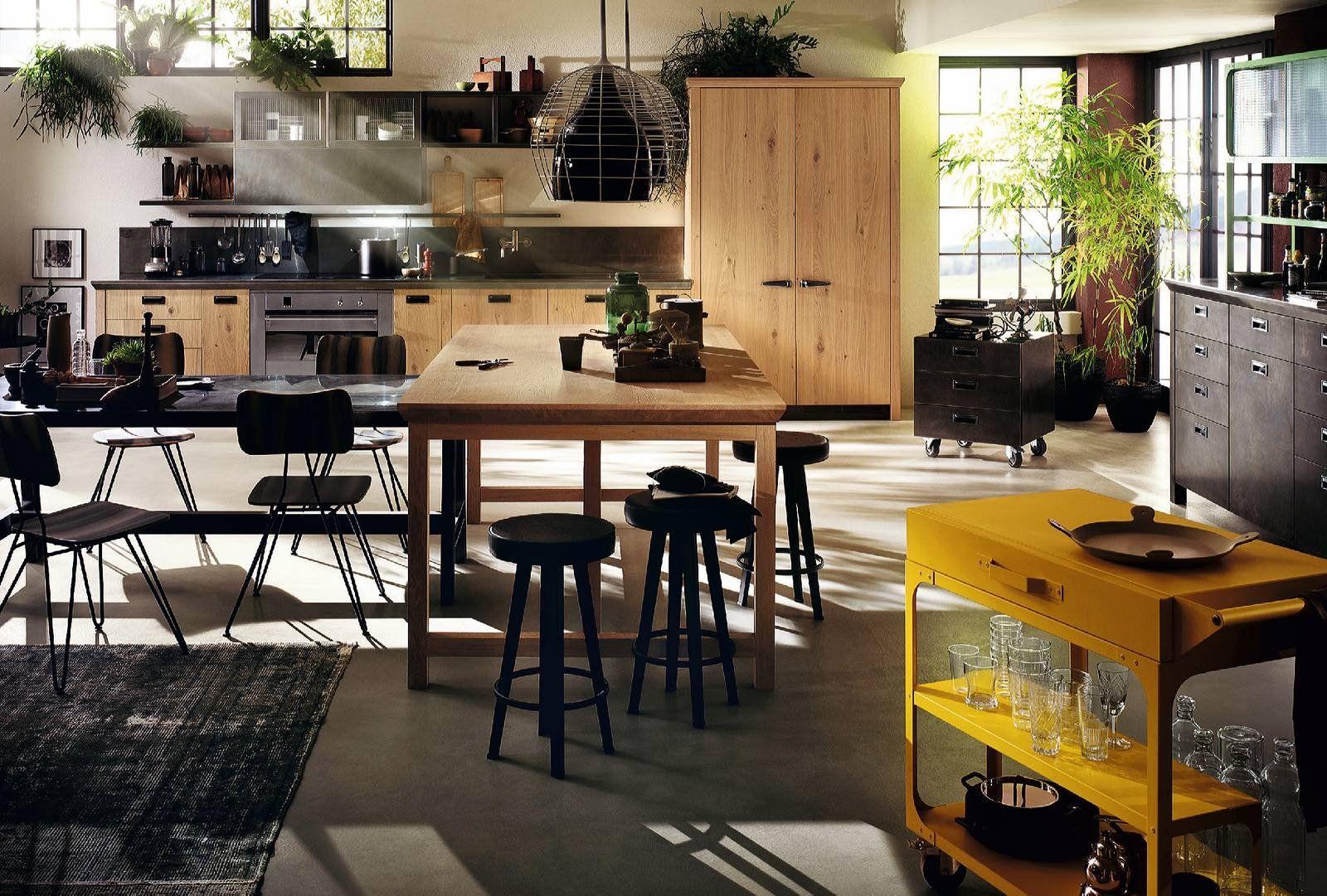 Cucine industriali scegliere i mobili le lampade le piastrelle