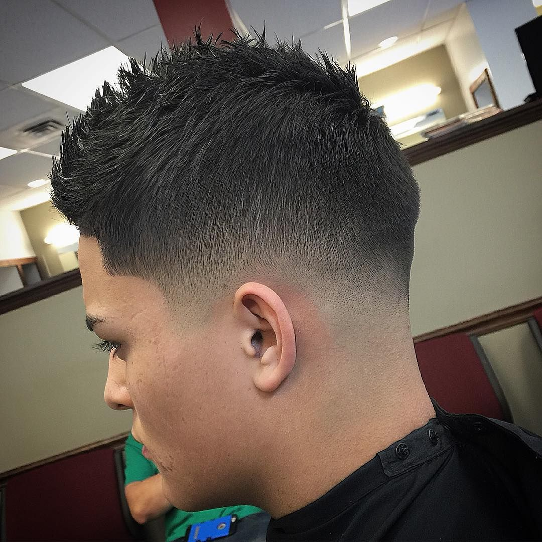 Best Tape Up Haircuts 2020 Guide Tape Up Haircut Curly Hair Men Fade Haircut