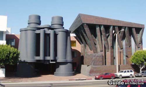 Claes Oldenburg and Coosje van Bruggen - Giant Binoculars Sculpture 1991, Venice California