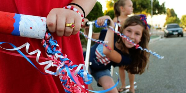 Patriotic Parade Streamers for Your Bicycles & Scooters from Alphamom