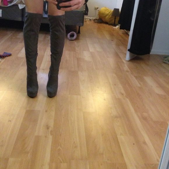 Over the knee boots Over the knee boots. Worn once. Great condition. Chinese laundry Chinese Laundry Shoes Over the Knee Boots