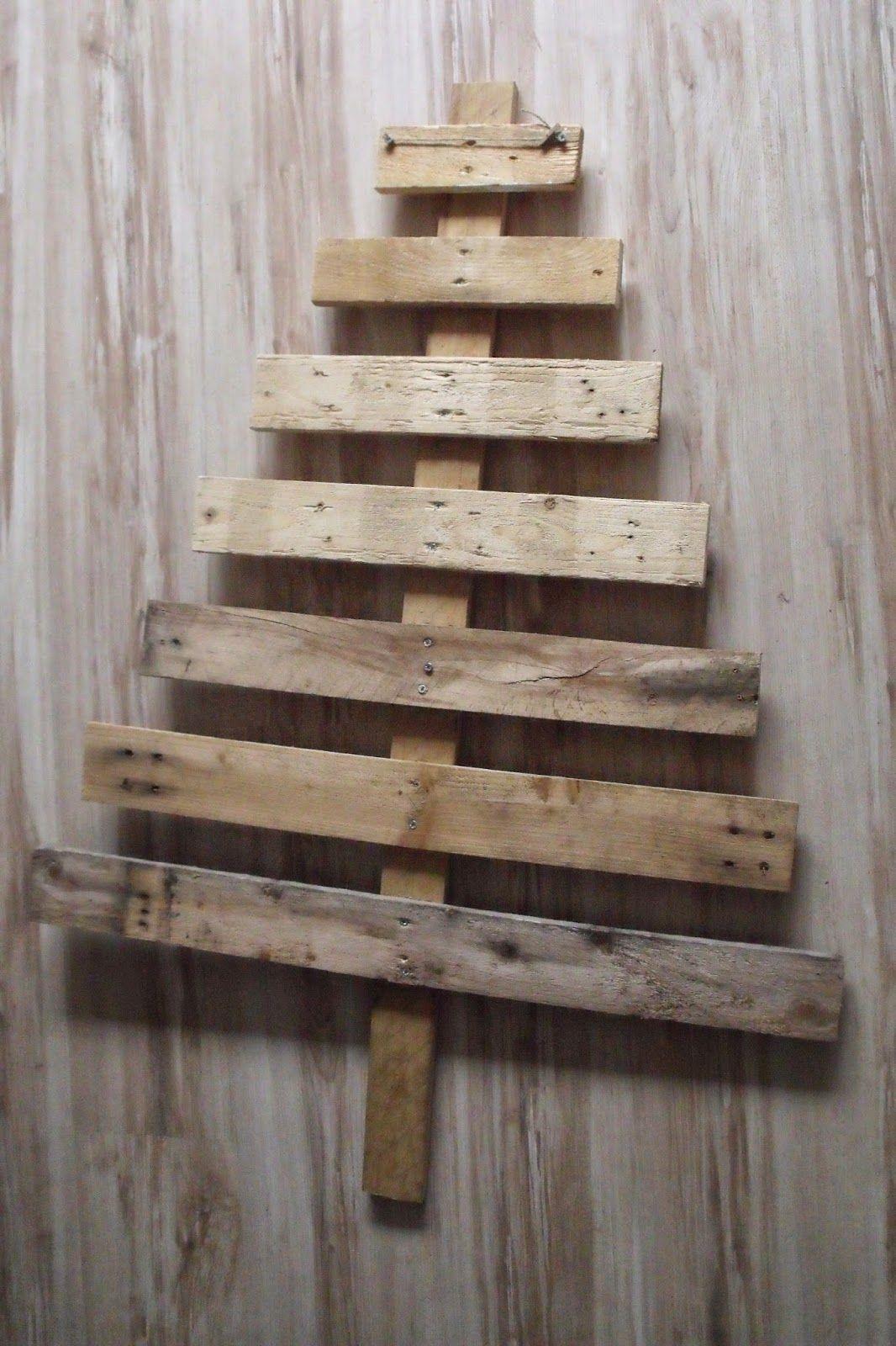 Tuto calendrier de l 39 avent en forme de sapin en bois et scrapbooking christmas pinterest - Sapin palette en bois ...