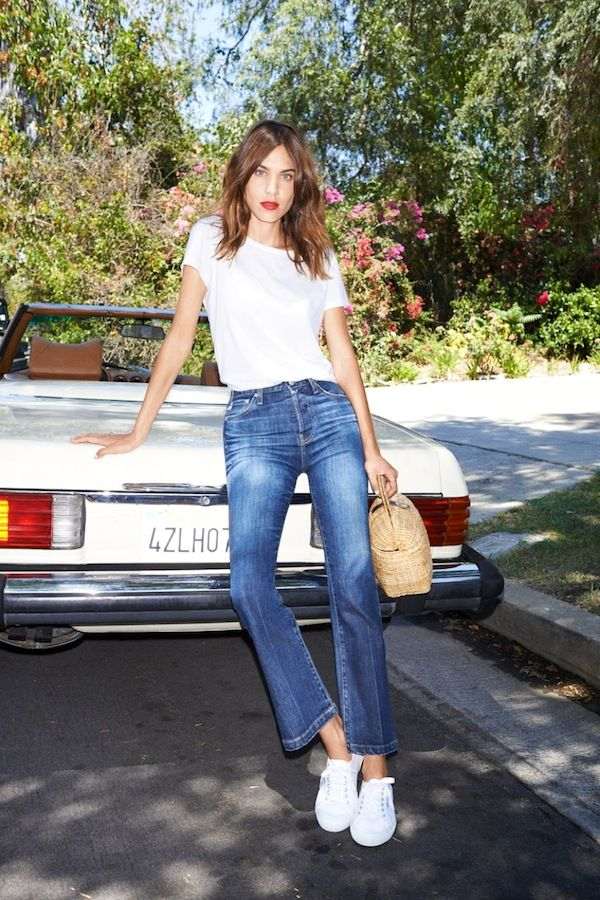 d039f0bf80 Get Alexa Chung s Cool Jane Birkin-Inspired Tee And Jeans Style (Le ...