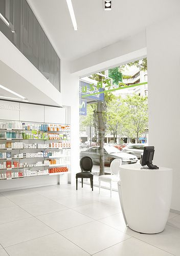 008 Farmacia Zazu Store Design Retail Architecture Retail Design