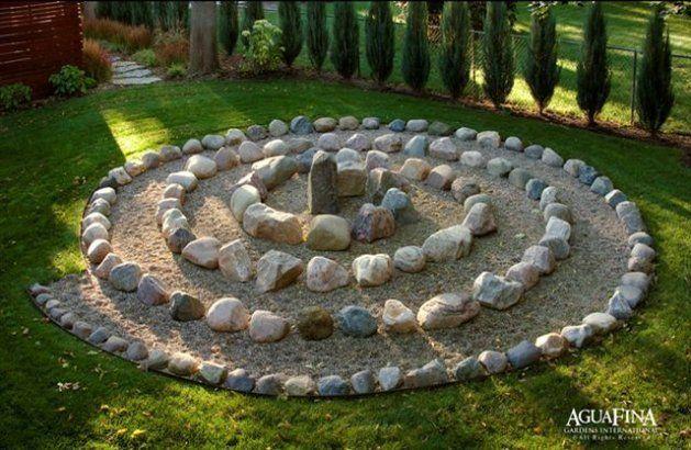 12 Spiral Garden Designs Ideal For Small Spaces Labyrinth Garden Outdoor Meditation Meditation Garden