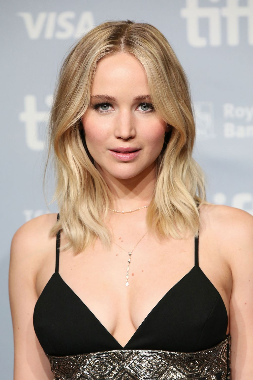 Jennifer Lawrence Her Fearless Beauty Looks I Should Probably