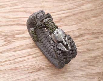 The Spartan Trilobite Custom Paracord Bracelet Black Powder Coated Snap Shackle Pguk Helmet Bead 77 Colours