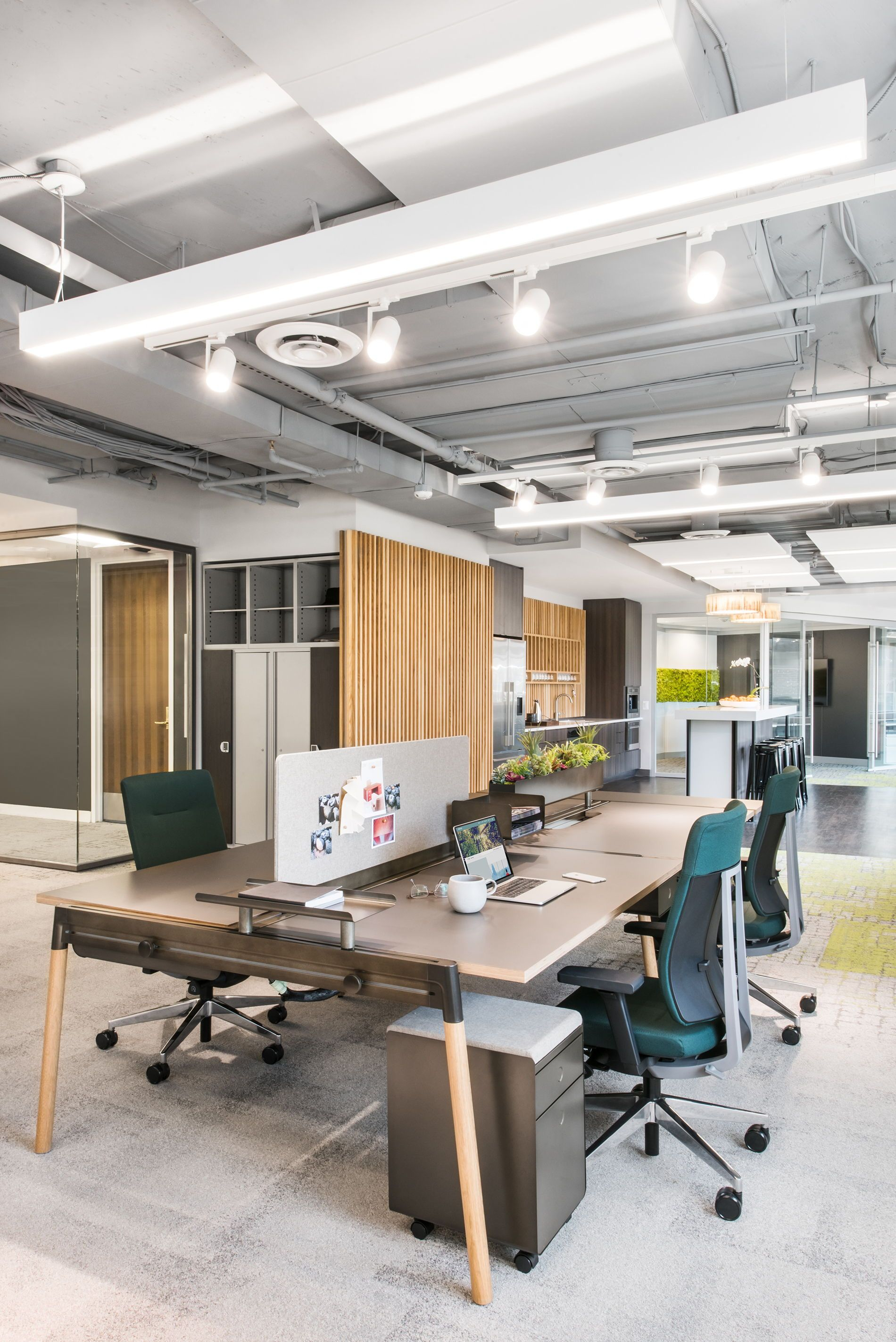 No Two Offices Have The Same Needs No Two Colleagues Have The Same Wants Our Acc Modern Office Interiors Office Interior Design Office Interior Design Modern