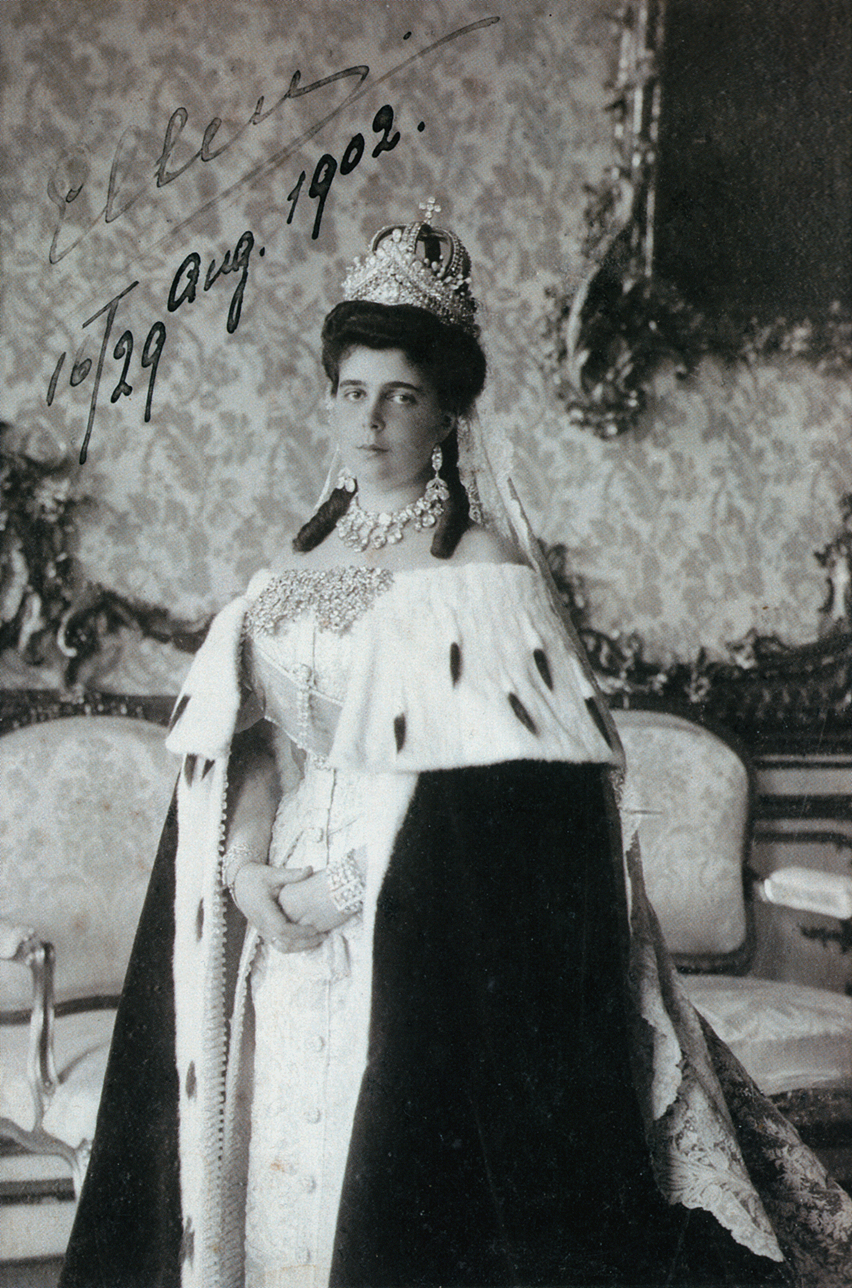 "sierrahiker8:  "" romanovsonelastdance:  ""Grand Duchess Elena ""Ellen"" Vladimirovna on her wedding day.  ""  Wearing the magnificent Romanov wedding parure/ensemble.  """