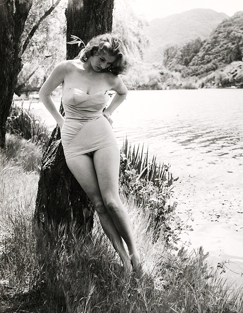 c21a5953381c4 Anita Ekberg photographed by Peter Basch