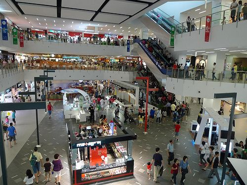 Florence Outlet Shopping mall...designer brands at 50-80% off ...