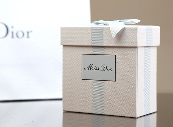 Pin by NATALIA TRENDIS on High end packaging | Perfume packaging, Dior,  Beautiful packaging