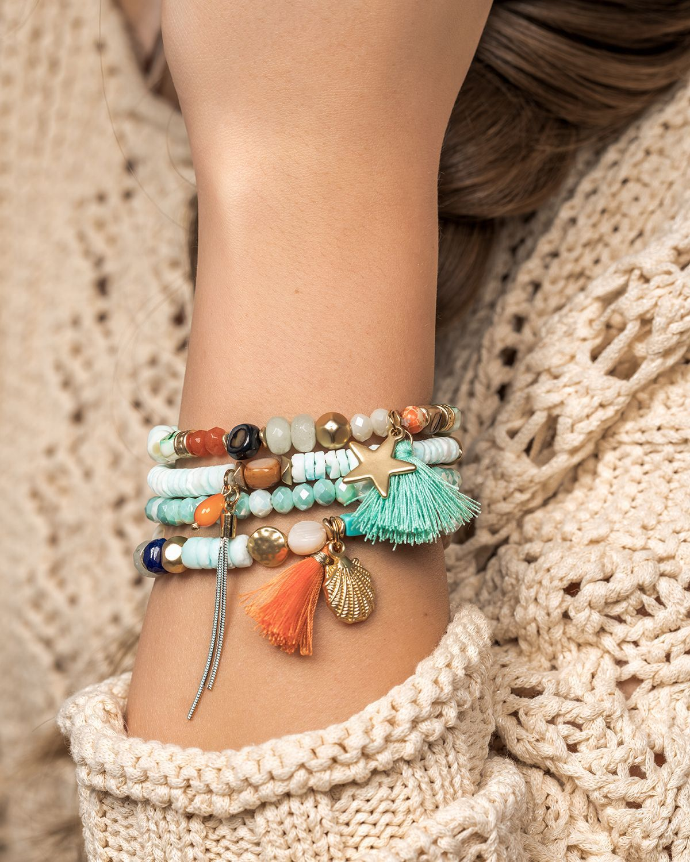 Seashell Blues  #sommerlichebastelarbeiten #lizas #bracelet #armband #armbänder #komnination #anhänger #tassel #stern #star #muschel #muscheln #seashell #seashells #beads #braceletstack #inspiration #sommerlichebastelarbeiten