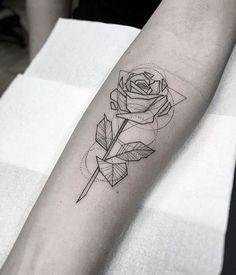 Tradicionales Tatuajes De Rosas En Los Brazos Tatuajes Tatuaje