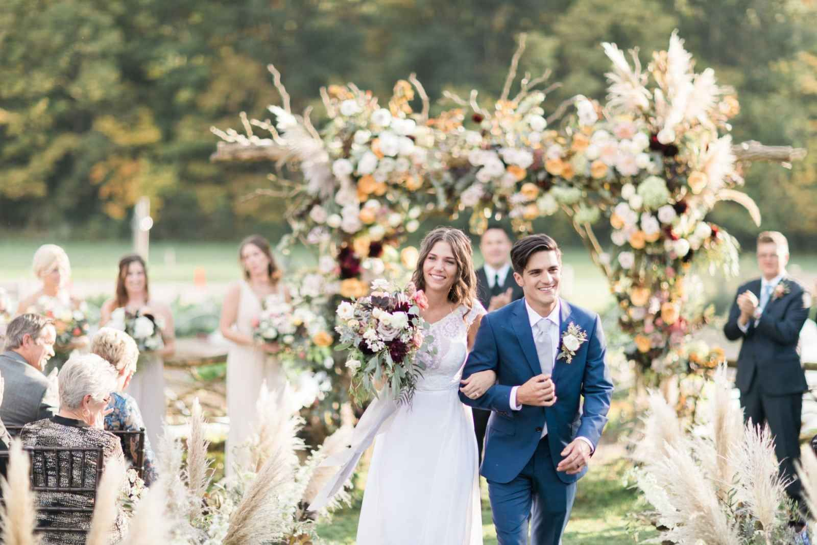 Whimsical outdoor barn wedding in Indianapolis - The ...
