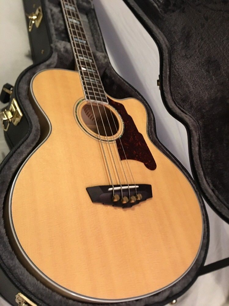 D'ANGELICO DAASBG-700 ACOUSTIC ELECTRIC BASS NATURAL HARD
