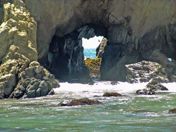Road Trip Through Sur On The Pacific Coast Highway Rock Hole At Pfeiffer Beach Is Just One Of Great Rving Attractions Find A Camping Spot