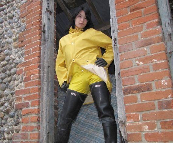 pingl par ronan lesourd sur rain jacket pinterest. Black Bedroom Furniture Sets. Home Design Ideas