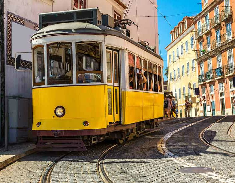Lisboa, Portugal http://www.discoverfrance.com/european-tours-destinations/bike-tours-portugal