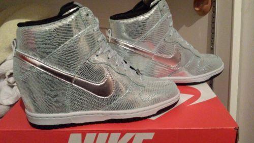 aa5e72b9d0a0 Limited Edition Nike Dunk Sky Hi High Women Sneaker size 7