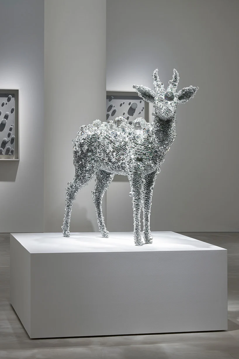 kohei nawa presents 'pixcell' sculptures and velvet 'paintings' for oracle at gyre gallery | Nawa, Sculptures, Art connection