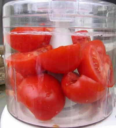 Tomatoes in food processor ready to puree now i know what to do tomatoes in food processor ready to puree now i know what to do with too many tomatoes food processor recipes pinterest food recipes and food forumfinder Choice Image