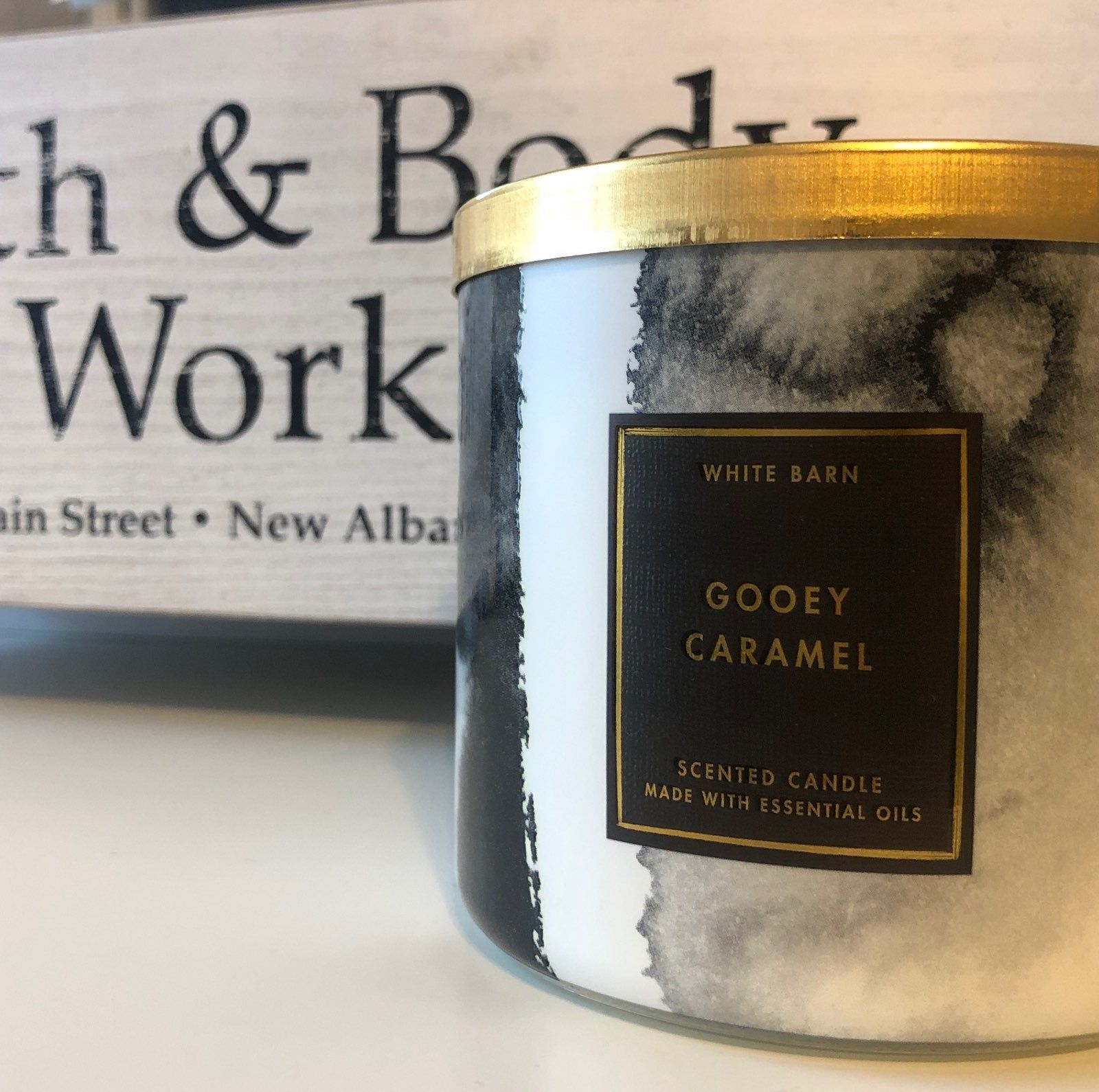 Gooey Caramel Fragrance Notes Melted Caramel Crystallized Sugar Warm Butter With Essential Oi How To Melt Caramel Caramel Candles Bath Body Works Candles
