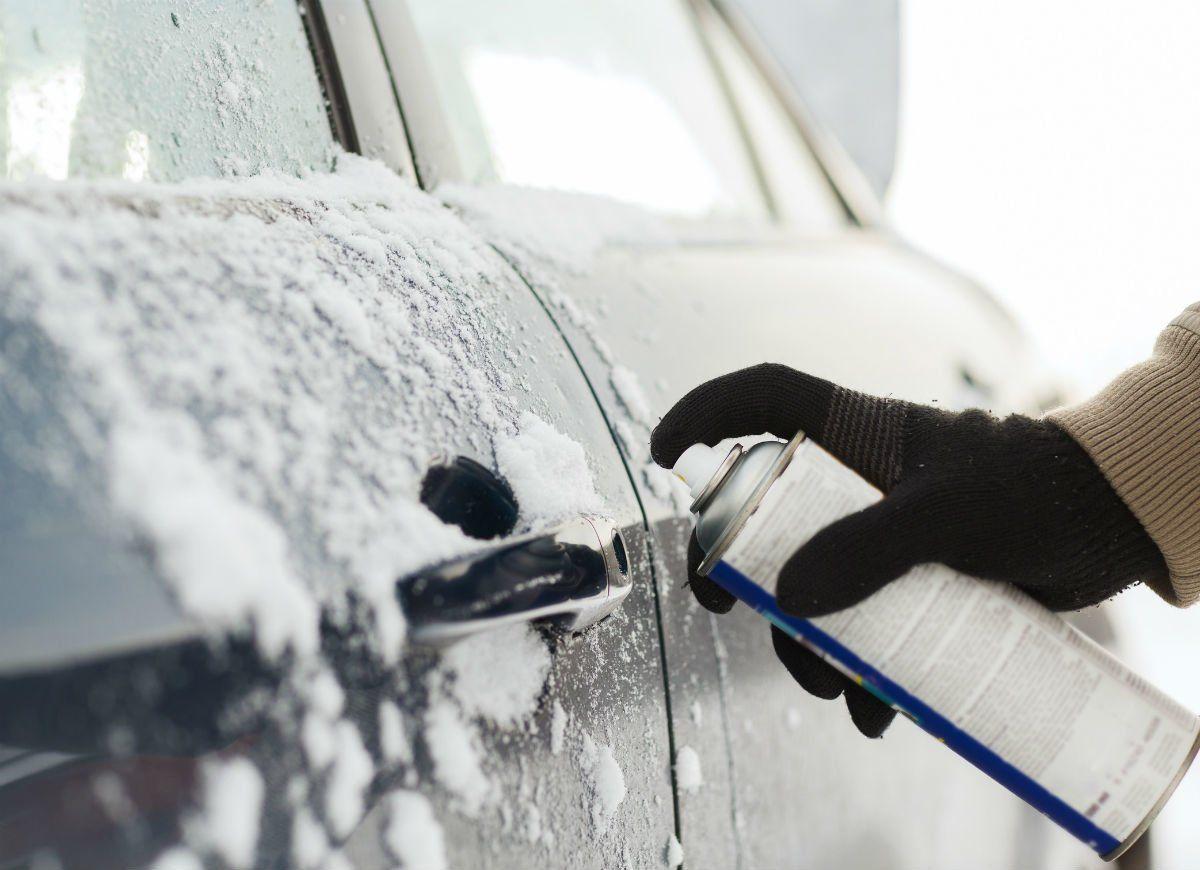 23 Brilliant Hacks to Help You Weather Winter Car door