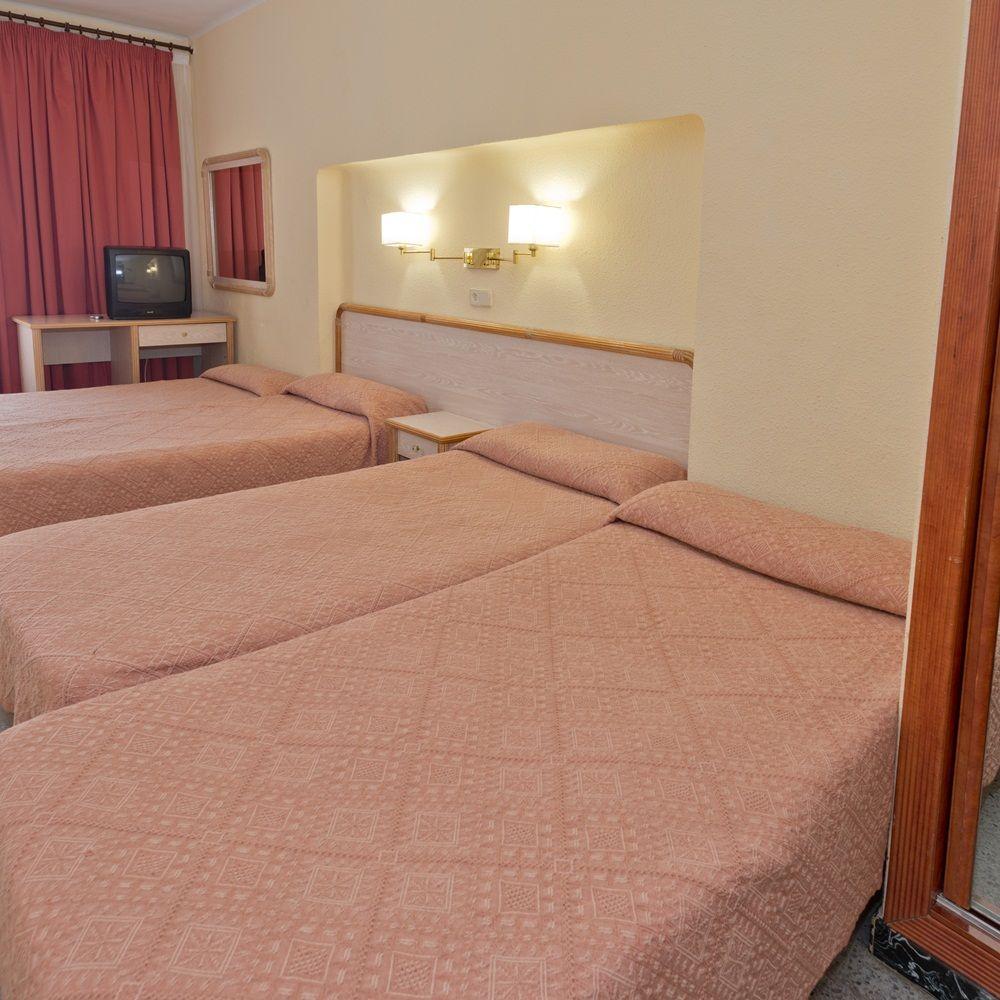 Servicios en las habitaciones del hotel Baño completo