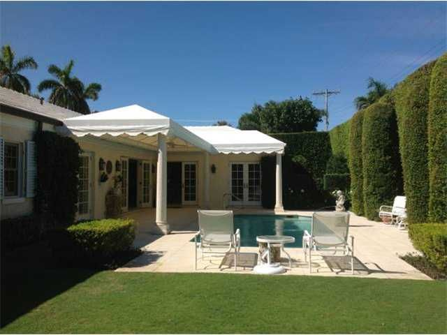 Palm Beach Cottage Water Features In The Garden Tropical Landscape Design Pool Patio
