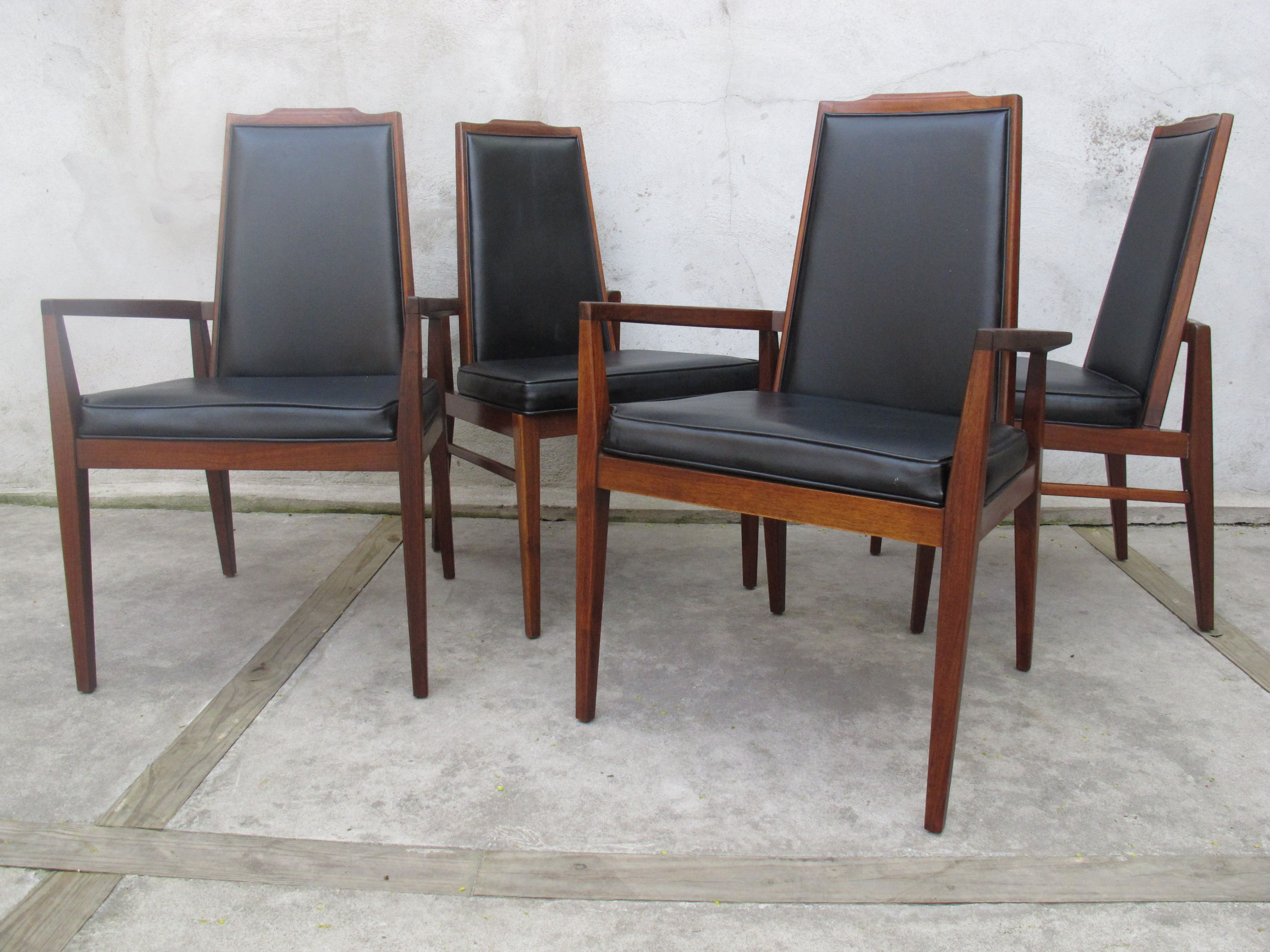 MID CENTURY WALNUT DINING CHAIRS BY FOSTER MCDAVID