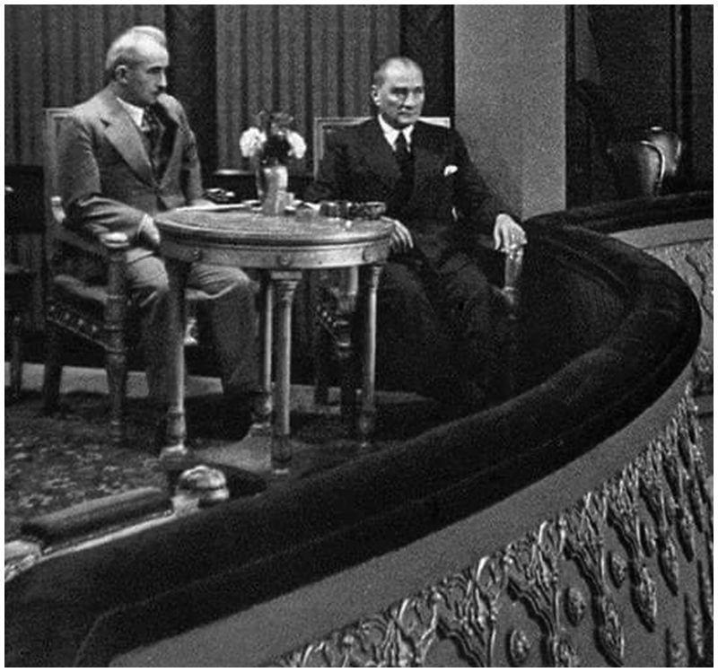 Photo of Gazi Mustafa Kemâl Atatürk İsmet İnönü