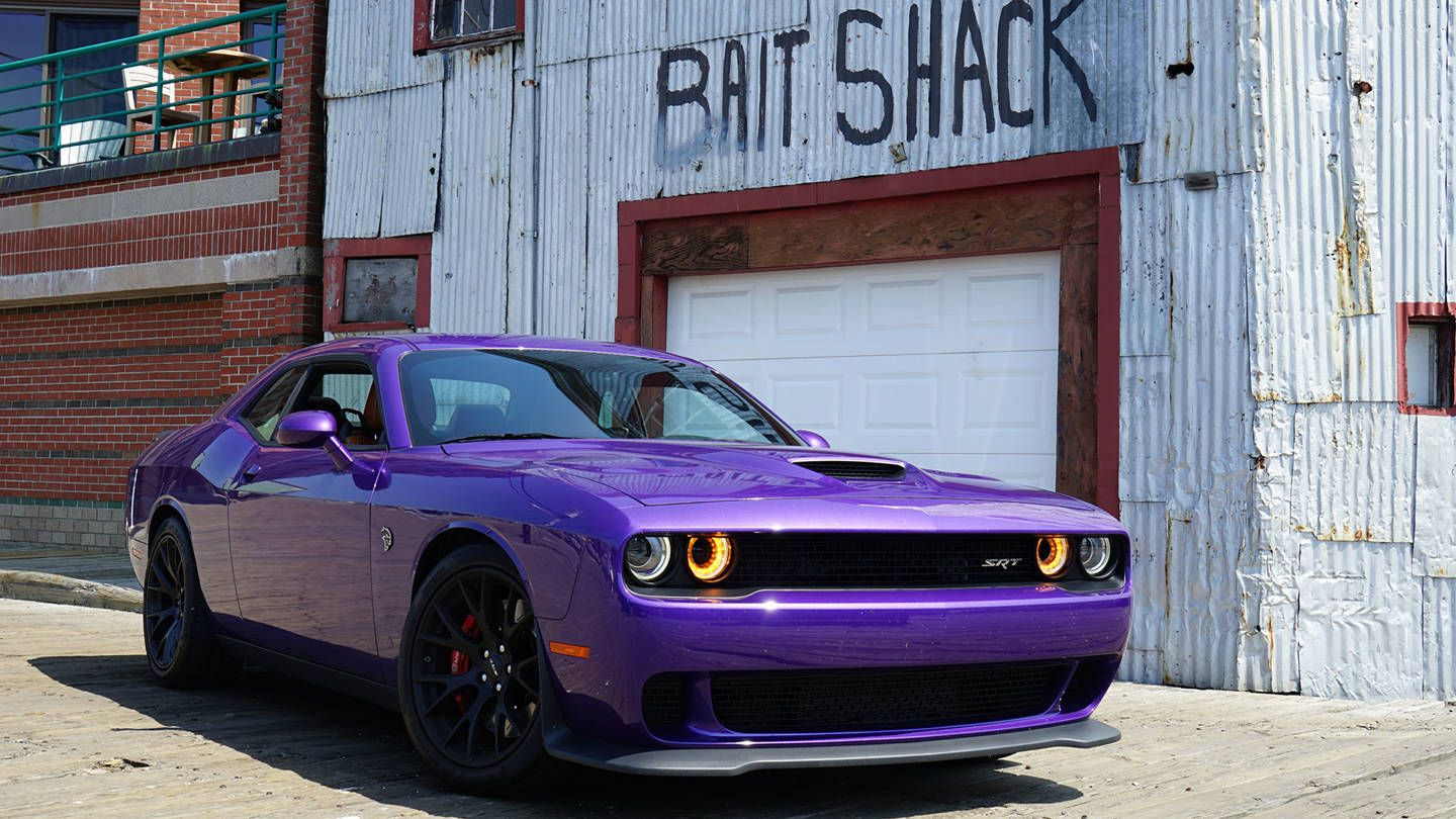 Dodge challenger hellcat srt review