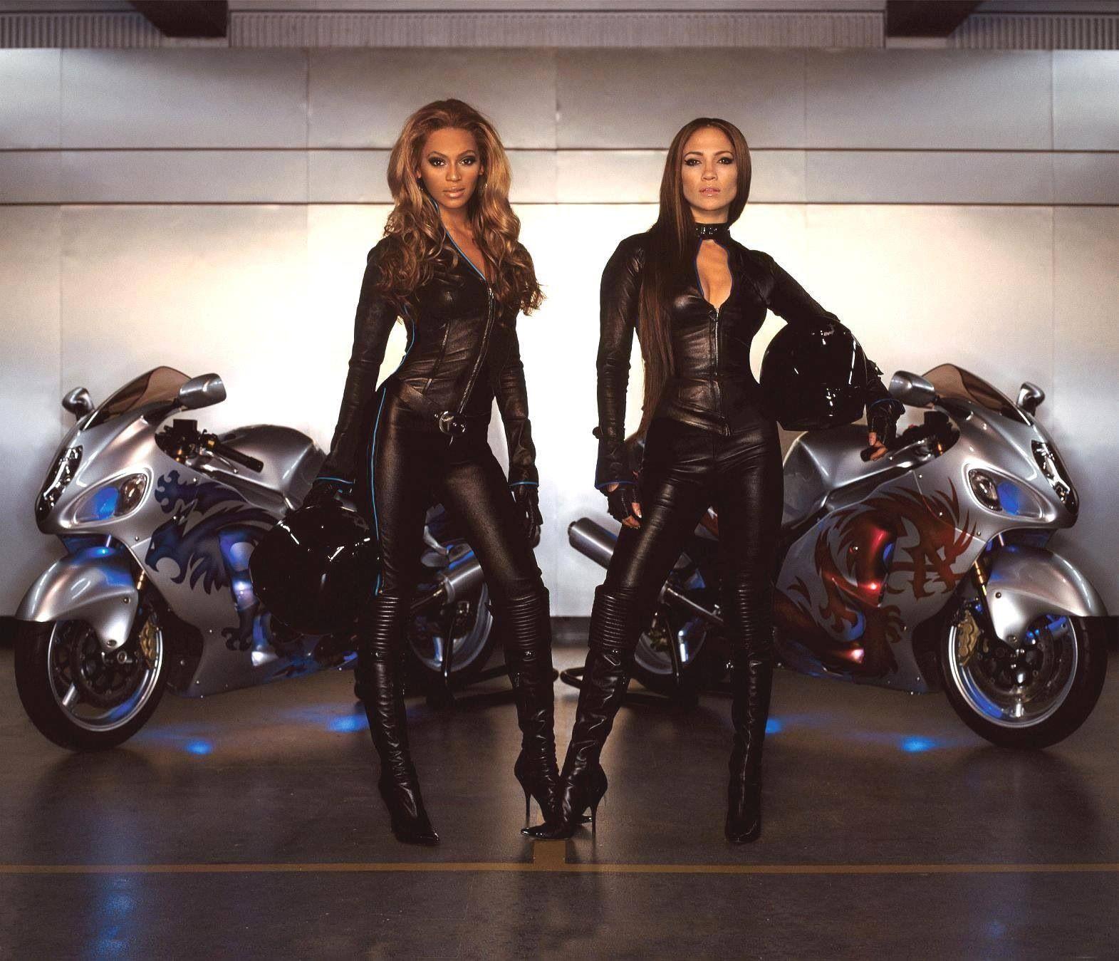 Beyoncé + Jennifer Lopez + 2 Hayabusa 1300cc = Crazy!!!