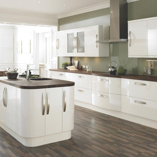 High Gloss Cream Kitchen At B Ten Beautiful Kitchens From Housetohome Co Uk