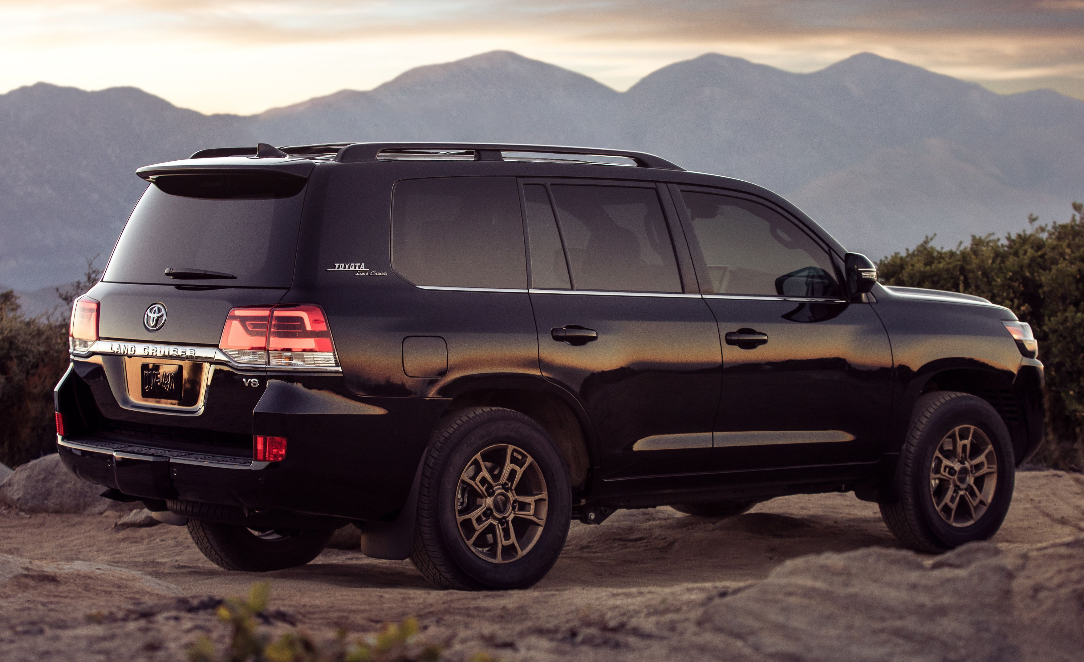 The 2020 Land Cruiser Heritage Edition In Photos Land Cruiser Toyota Land Cruiser Cruisers