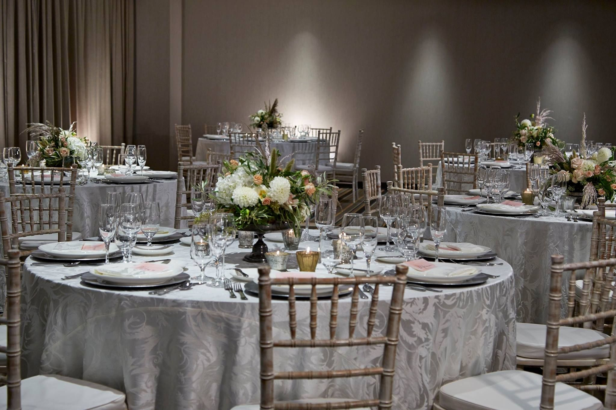 Pretty Silver Tablescape With Damask Linen And Chiavari Chairs Chair Cover Rentals Chair Cover Dining Room Chair Covers