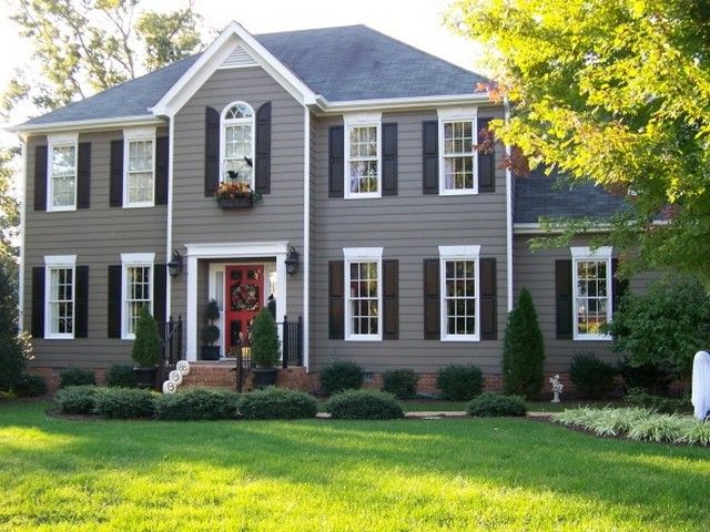 Front door colors for gray house with black shutters - What color door goes with gray house ...