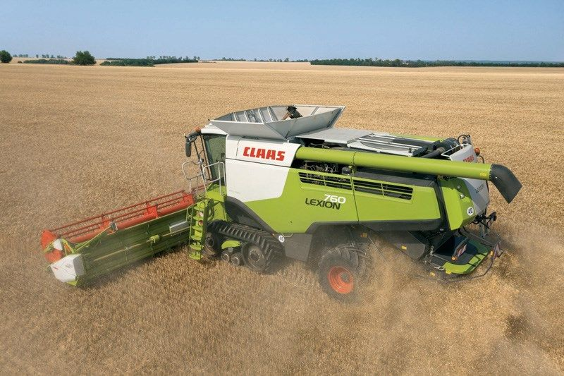 The Lexion 760 TT, one of the stars in the stand of Claas in FIMA, is a cosechadora with engine CAT C13 with a maximum power of 490 CV. Description from interempresas.net. I searched for this on bing.com/images