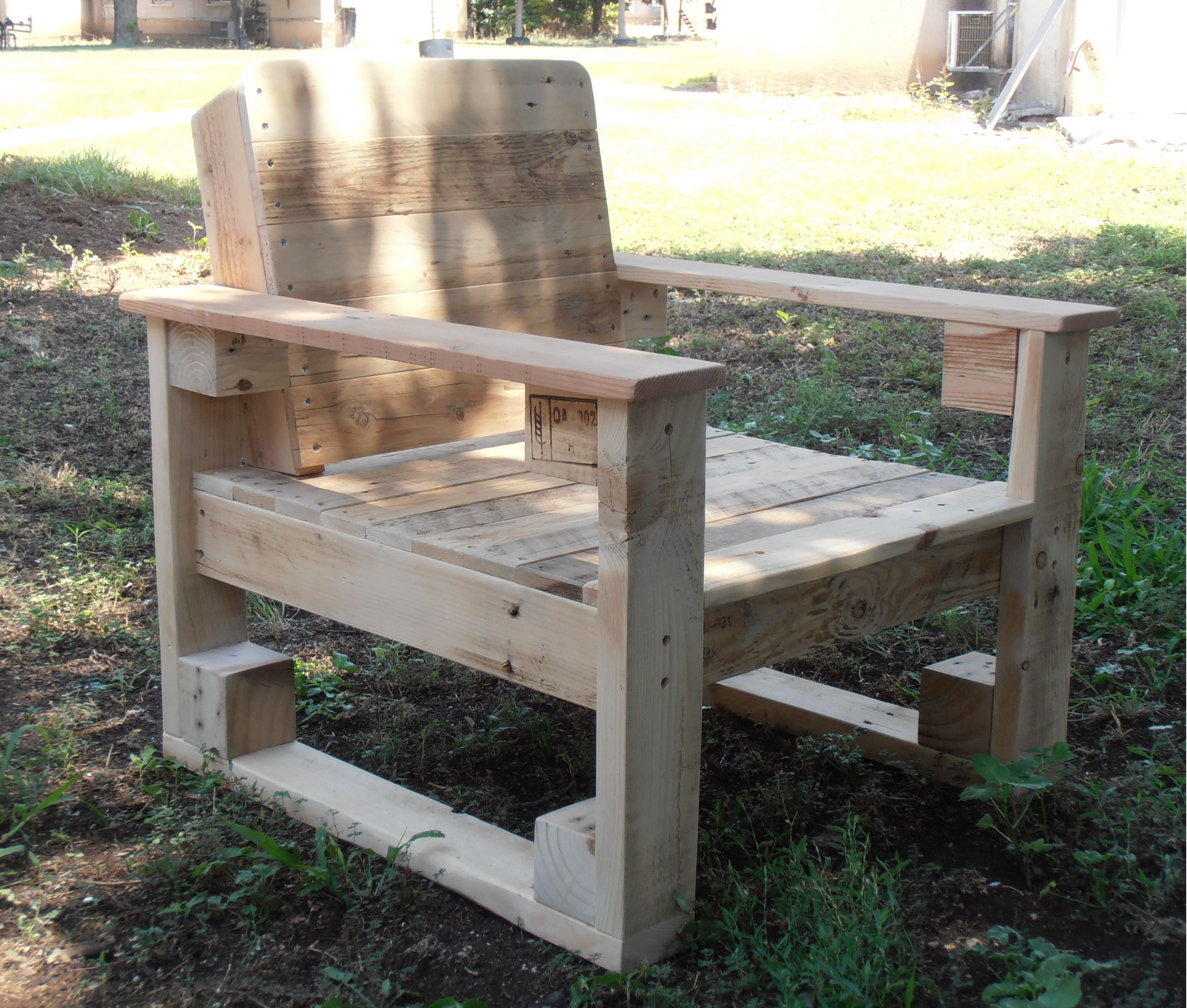 Complete Pallet Garden Set Pallet Ideas 1001 Pallets: Pallet Chair For Outdoor Use