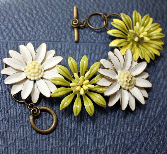 Vintage Upcycled Repurposed Enamel Daisy by mitziscollectibles