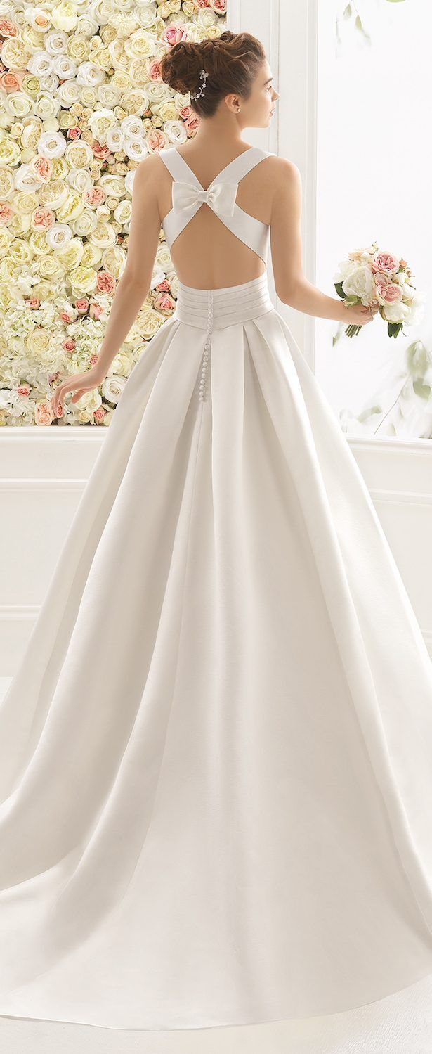 Wedding dress with bow on back  Wedding Dresses By Aire Barcelona  Bridal Collection  Aire