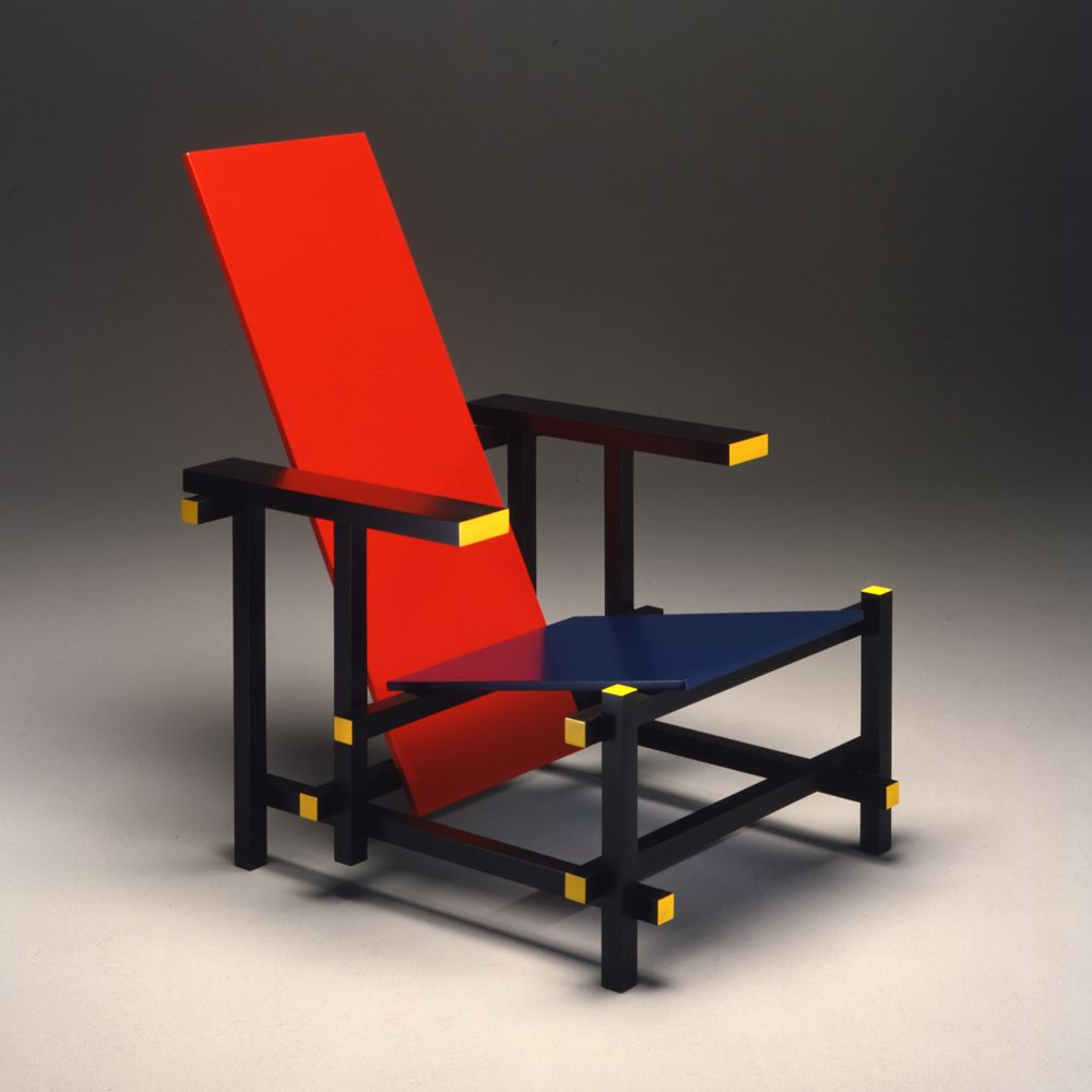 thomas gerrit rietveld rosso blu projetada em 1918 a cadeira foi inspirada na obra do artista. Black Bedroom Furniture Sets. Home Design Ideas