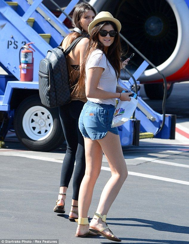 68a01ad6f08d Gucci Backpack Kylie Jenner Pictures, Kyle Jenner, Kendall Jenner Style,  Fashion Runway Show