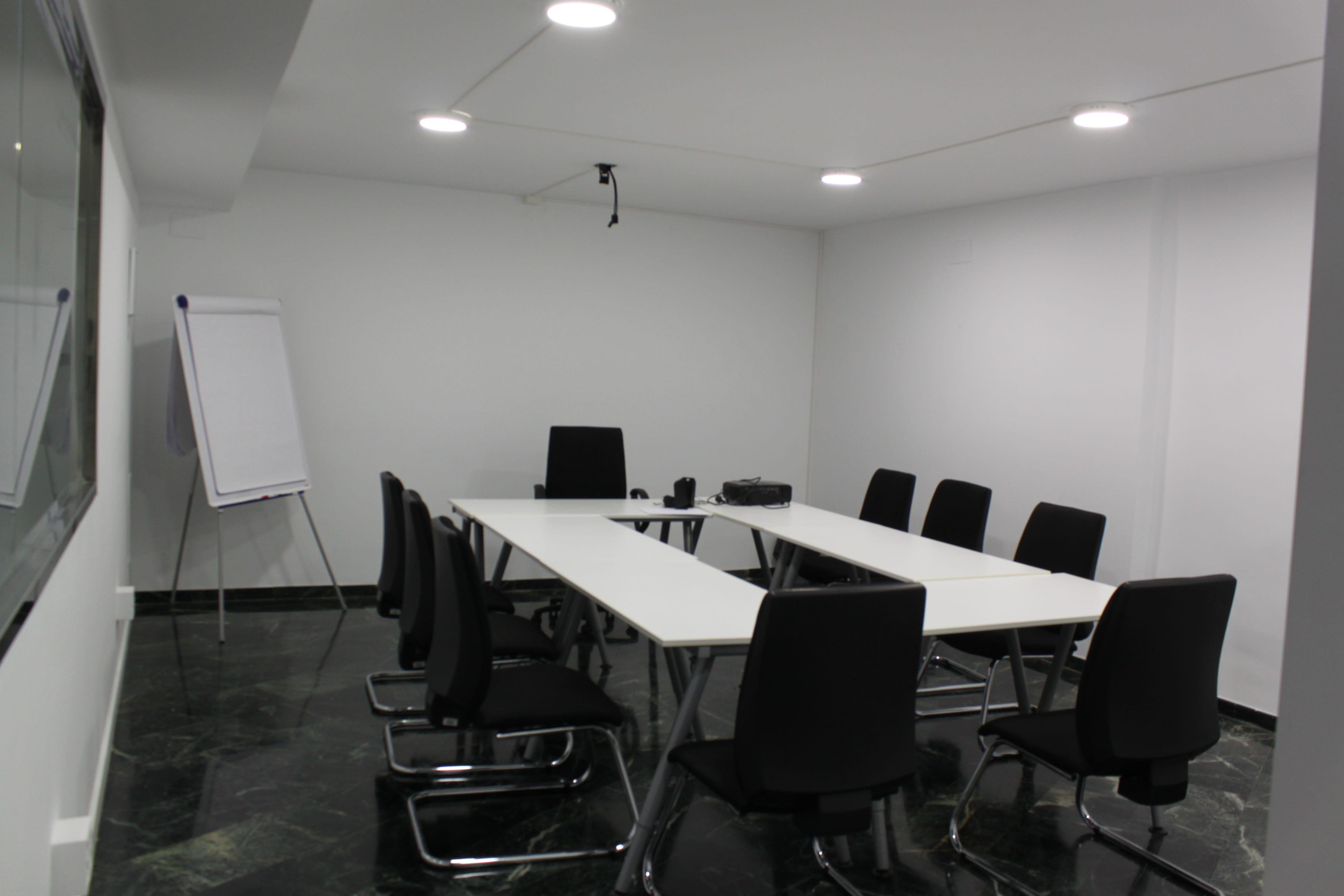 Alquiler de salas de reuniones en Valencia, Centro de Negocios IEM | alquilarsalas.com