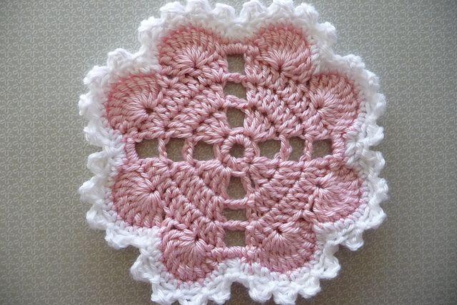 toalhinha de corações em crochet                                                                                                                                                     Mais