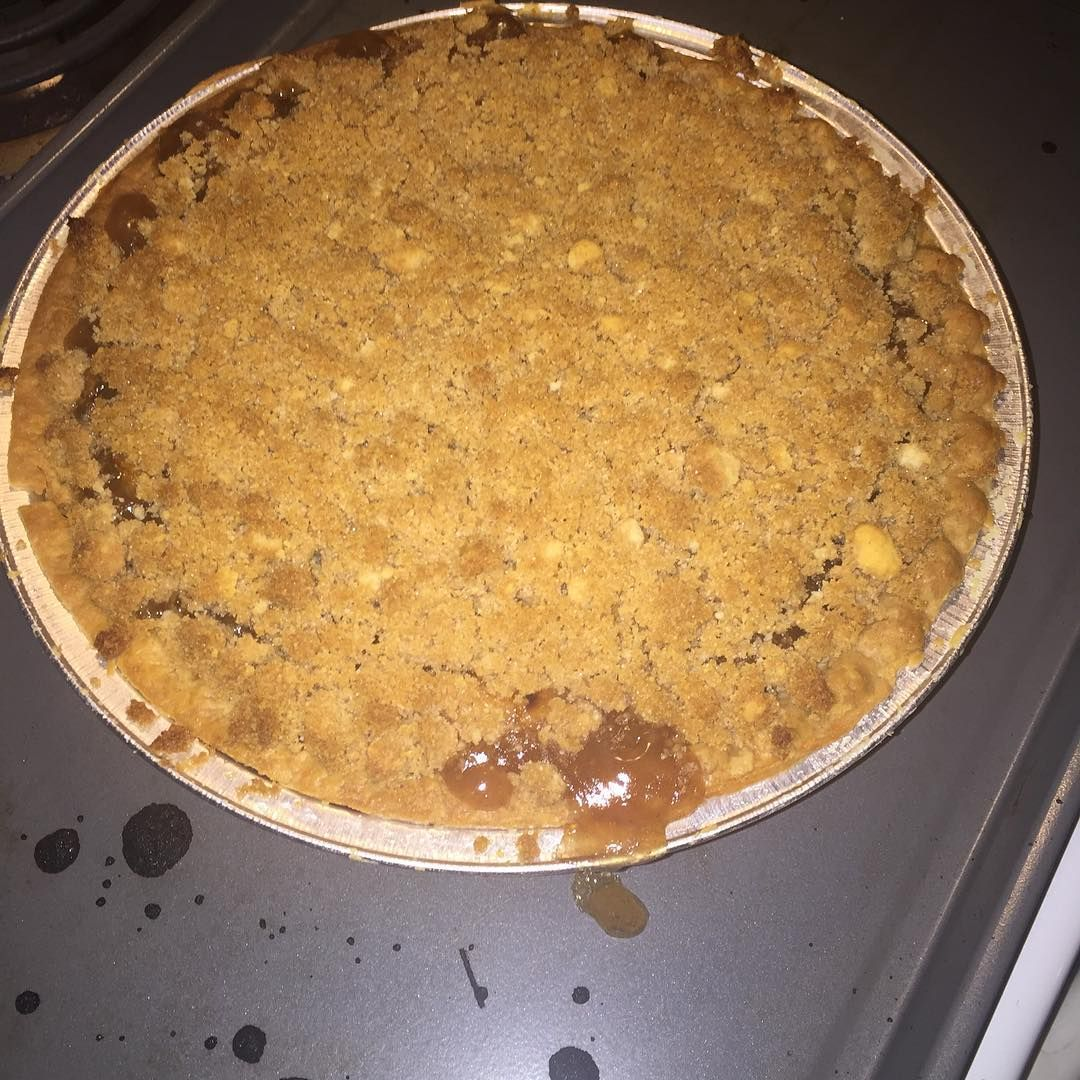 Craving satisfied  #applepie #pie #dessert #sweet #yummy #delicious #craving #satisfied #fall #september #apple #fruit #hot #heaven #ilovefood #foodaddict #cheat #earnedit #momlife #momof2 #beautifullife #blessed #xoxo