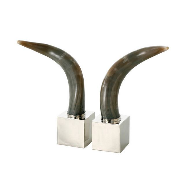 Look at these gorgeous cub book holders. The square bookend set is made of Alpaca silver and black cow horns were added to make it more appealing  They were made in Argentina. #etcmiami #etcgifts #miamigifts #book #holders #alpaca #silver #holder #homedecor #table #tablesetting #entertaining #gifts #homegifts #exclusive #design #onyx #horn