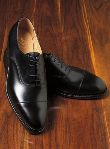 The Connaught Oxford in Black | Elegante schuhe, Herrenmode